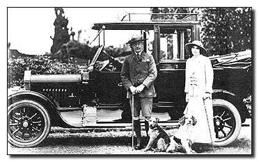 bp-1912-wedding-car.jpg (44600 bytes)